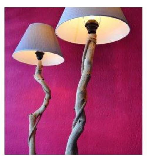 doğal ahşap ayaklı lambade